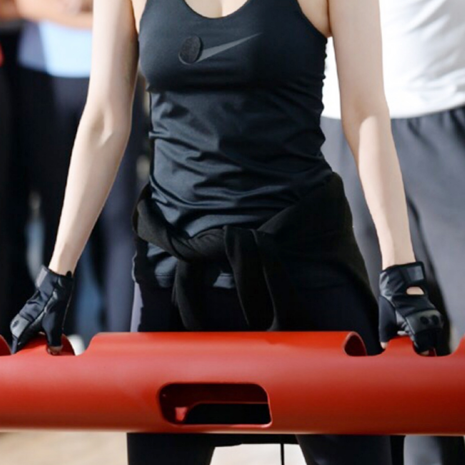 Vipr-Fitpro-Fitness-Tube-Loaded-Movement-Training-weightlifting-4-6-8-10-12-Kg thumbnail 72